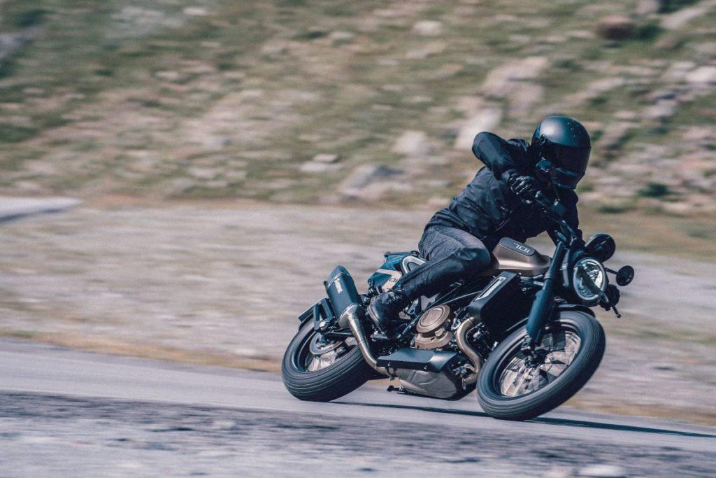 HUSQVARNA MOTORCYCLES VITPILEN JA SVARTPILEN 2020 MALLIT