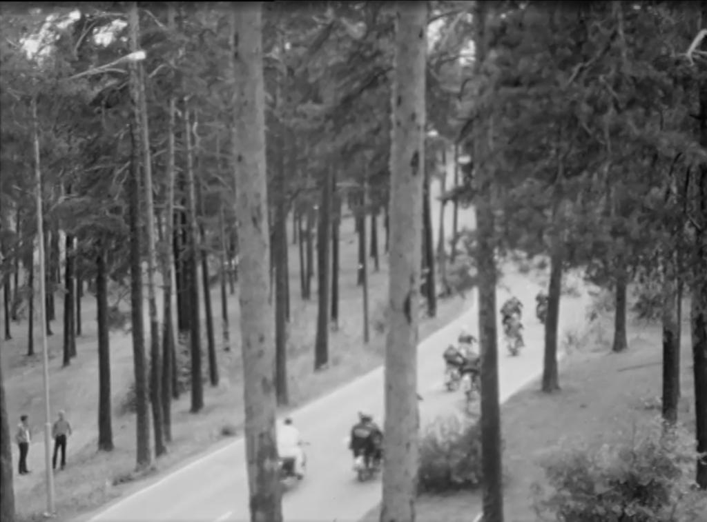 Dokumentti moottoripyöräkerhosta, Koronan jengi, vuodelta 1970